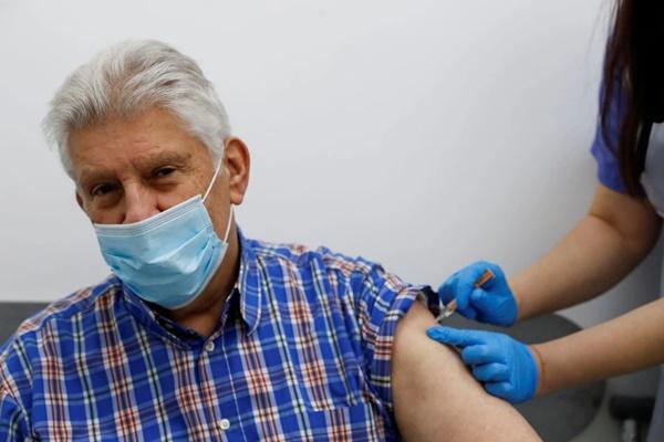 Thêm bằng chứng cho thấy 'sự thành công tuyệt vời' của vaccine COVID-19-2