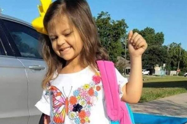 Mỹ: Bé gái 4 tuổi tử vong vì COVID-19 sau khi lây từ mẹ anti-vaccine-1
