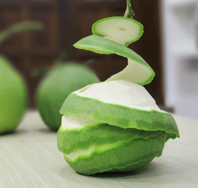 Ăn bưởi xong chớ vứt vỏ, hãy tận dụng để làm 4 điều này: Vừa làm món ăn vừa có thể làm chất tẩy rửa, chống côn trùng-3