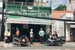 Quán ăn ở Hà Nội từ chối khách vì quá đông người mua về-10