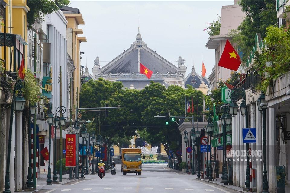 Hà Nội cho phép một số cửa hàng bán hàng mang về từ 12h ngày 16.9-2