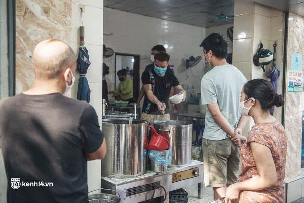 Hà Nội: Danh sách 22 quận, huyện, thị xã dự kiến được bán hàng ăn, uống mang về từ 12h ngày 16/9-1