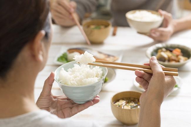 3 điều bất thường sau bữa ăn cho thấy đường huyết của bạn đang cao quá mức, hãy ghi nhớ 3 TRÁNH - 2 LÀM để cứu mình-1