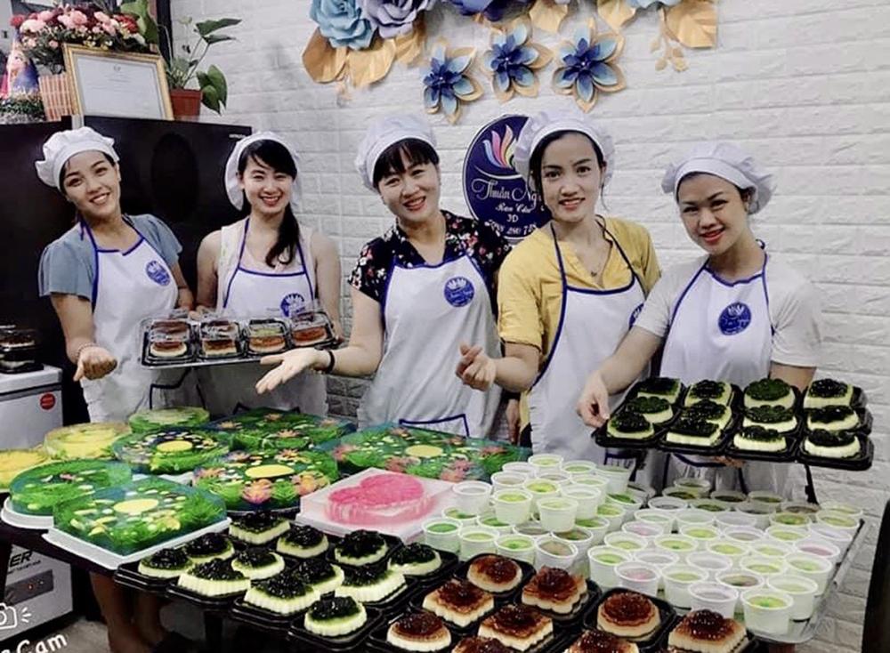 Làm loại bánh Trung thu lạ, mỗi ngày đổ khuôn bán hơn nghìn cái-6