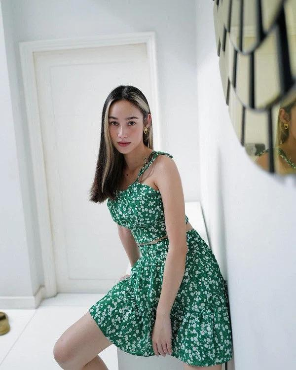 Mỹ nhân Thái Lan phối váy áo hoa đón thu không lo sến súa-10