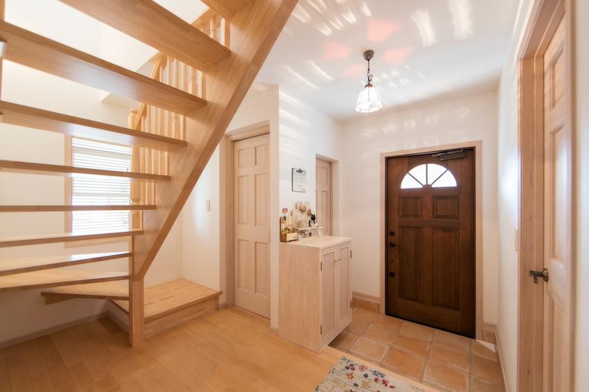 Ngôi nhà đặc biệt với phòng khách trên tầng 2, nhìn từ ngoài vào trong đều toát lên vẻ độc đáo và thú vị-3
