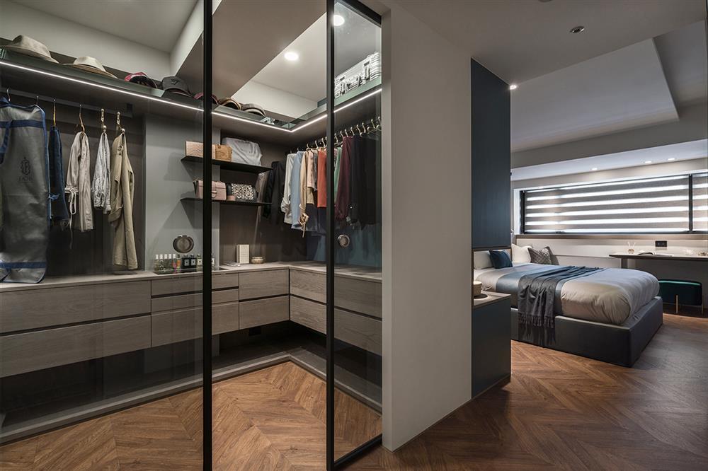 Căn hộ cũ kỹ xuống cấp với đồ đạc lộn xộn được biến hình thành không gian tinh tế, hiện đại dành cho vợ chồng trẻ-10