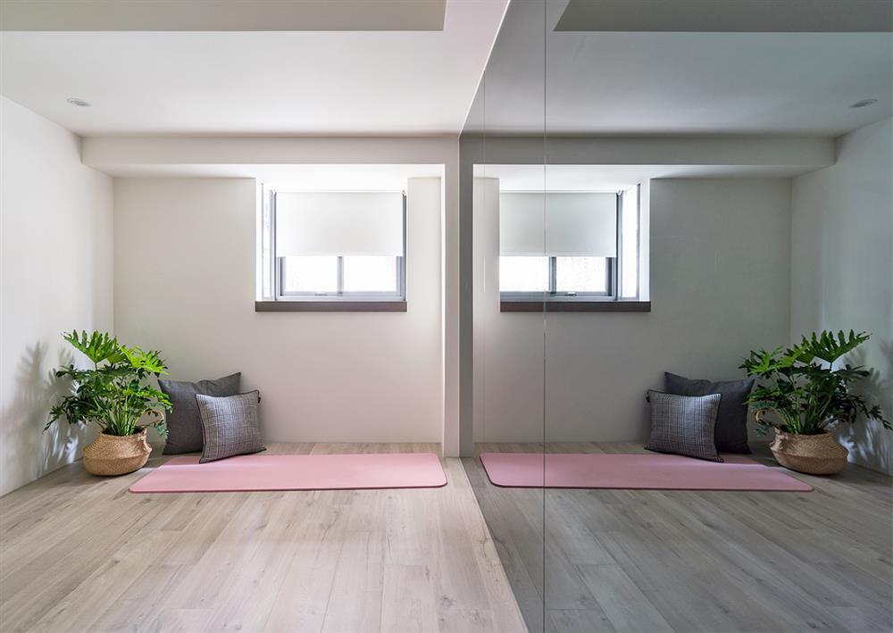 Căn hộ cũ kỹ xuống cấp với đồ đạc lộn xộn được biến hình thành không gian tinh tế, hiện đại dành cho vợ chồng trẻ-15