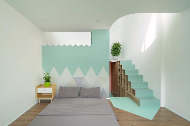 Ngôi nhà trong hẻm nổi bật với gam xanh mint siêu cưng, hay nhất là thiết kế zigzag độc lạ đỉnh của chóp-15