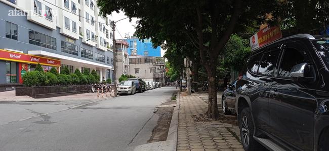 Vụ bé gái 6 tuổi τử νσηɠ nghi do bạo hành ở Hà Nội: Gia đình sống kín tiếng, hàng xóm không hay biết gì cho tới khi bố mẹ bế con đi cấp cứu-1