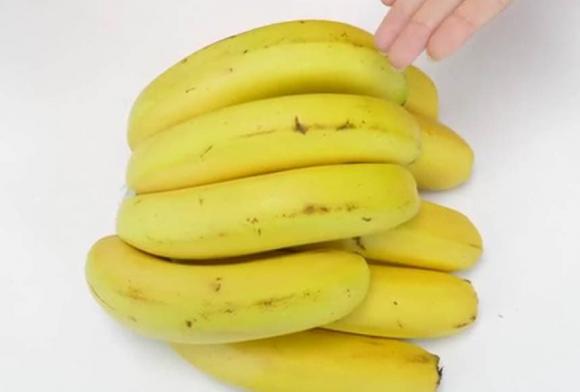 Chủ cửa hàng hoa quả dạy mẹo bảo quản, chuối sẽ không bị thối hoặc chuyển sang màu đen sau nửa tháng-5