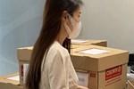 Cận cảnh chồng thùng giấy chứa 18.000 tờ sao kê 177 tỷ kêu gọi cứu trợ miền Trung của vợ chồng Thuỷ Tiên - Công Vinh!