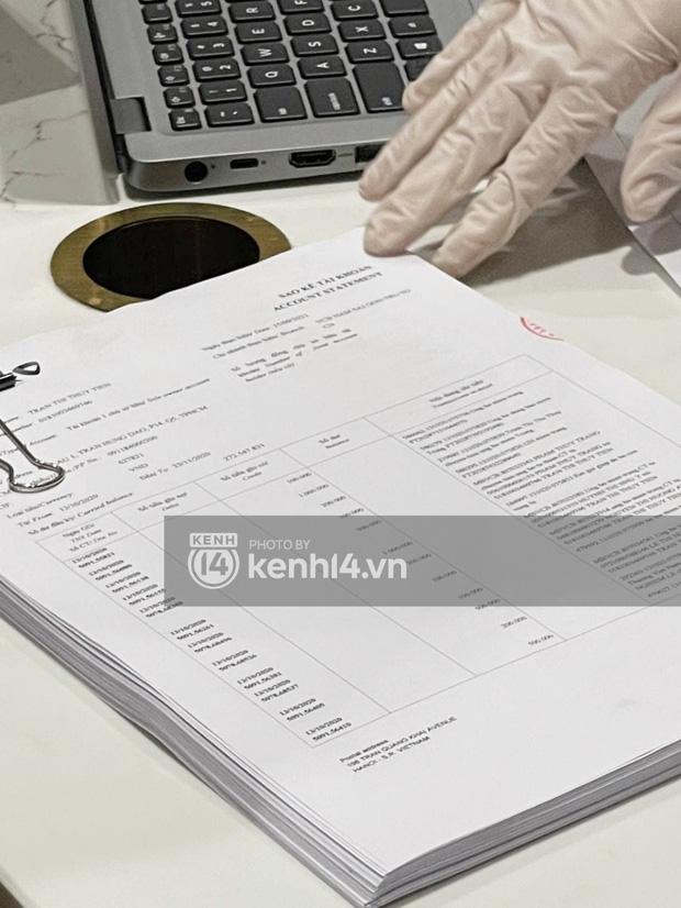 Cận cảnh chồng thùng giấy chứa 18.000 tờ sao kê 177 tỷ kêu gọi cứu trợ miền Trung của vợ chồng Thuỷ Tiên - Công Vinh!-4