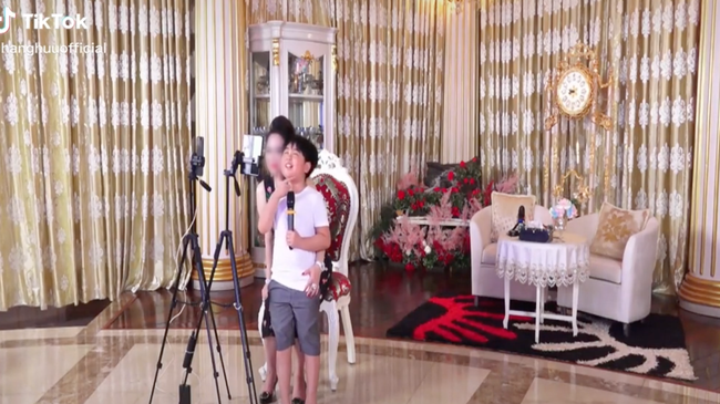 Khi được hỏi: Có thích làm ông chủ Đại Nam không?, tỷ phú nhỏ tuổi nhất Việt Nam đáp trả khiến nghìn người cảm phục!-1