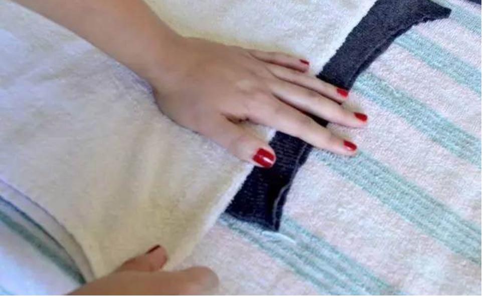 Phải làm gì nếu quần áo bị co lại sau khi giặt? Chỉ cần một phương pháp nhỏ, bạn có thể khôi phục hình dáng nhanh chóng, vừa đơn giản lại thiết thực-10