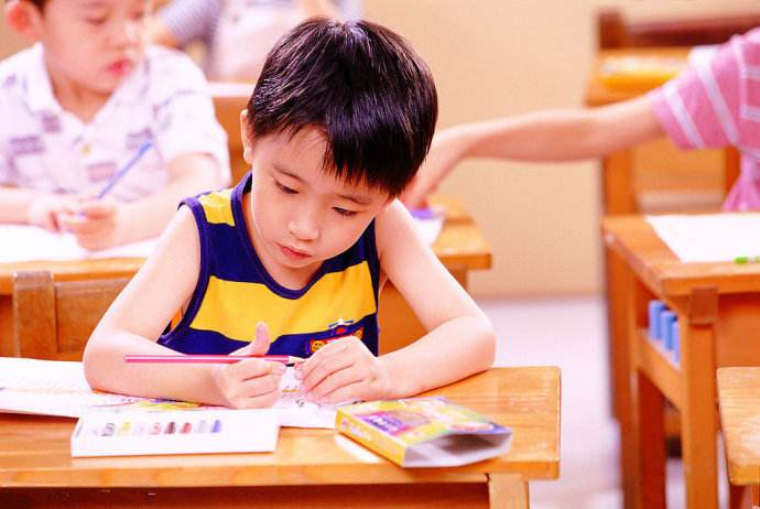 """Một ông bố trẹo cả hàm vì bất lực"""" trong việc dạy con làm bài tập về nhà-8"""
