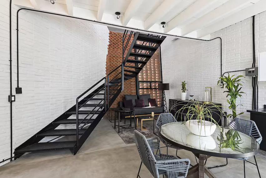 Căn nhà 35m2 với thiết kế gạch đỏ phá cách, nhỏ xinh nhưng vô cùng ấn tượng-4