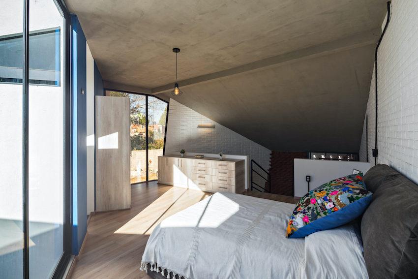 Căn nhà 35m2 với thiết kế gạch đỏ phá cách, nhỏ xinh nhưng vô cùng ấn tượng-6