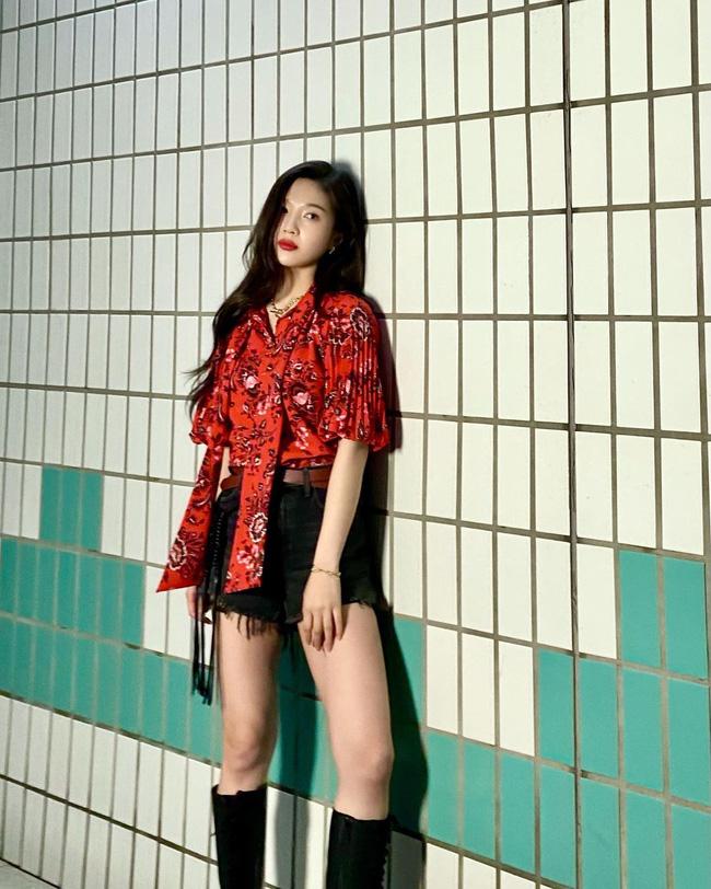 Mặc áo blouse đẹp như Red Velvet: 13 cách mix đơn giản nhưng trẻ trung, chuẩn sang xịn mịn-6