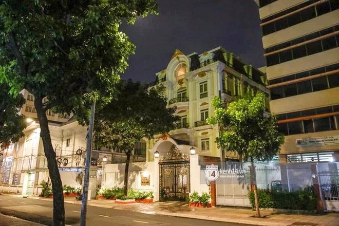 Thêm loạt ảnh mới bên trong lâu đài 2.400m2 giữa trung tâm Sài Gòn của CEO Đại Nam: Xa hoa hết cỡ!-10