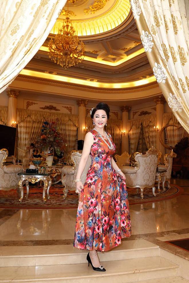 Thêm loạt ảnh mới bên trong lâu đài 2.400m2 giữa trung tâm Sài Gòn của CEO Đại Nam: Xa hoa hết cỡ!-8