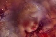 Đào quan tài kính dưới lòng đất, các nhà khoa học sửng sốt thấy bé gái vẹn nguyên như thiên thần say ngủ cùng bí mật bị chôn vùi 140 năm