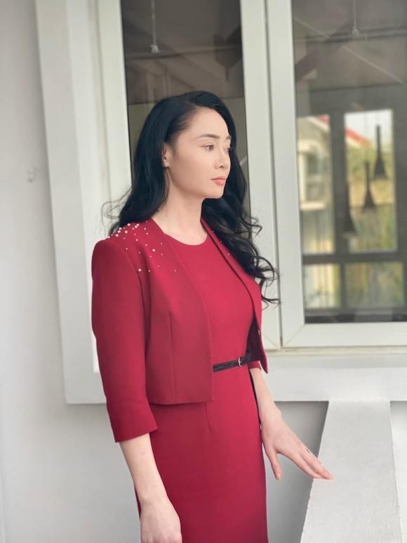 Cái nết hơi tệ nhưng gu thời trang của bà Xuân trong Hương vị tình thân thì đẹp miễn bàn-3