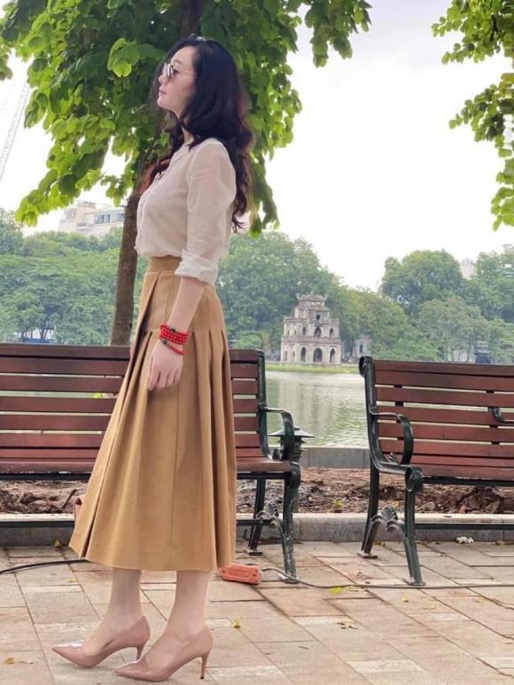 Cái nết hơi tệ nhưng gu thời trang của bà Xuân trong Hương vị tình thân thì đẹp miễn bàn-11