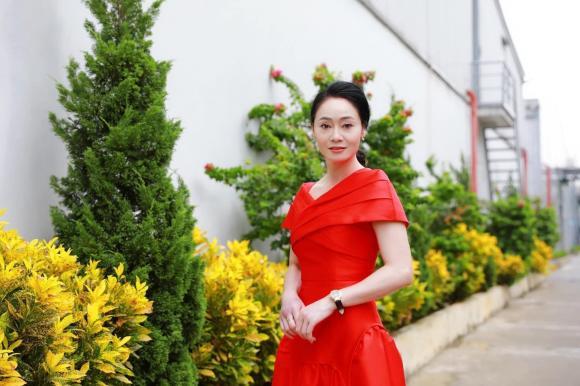 Cái nết hơi tệ nhưng gu thời trang của bà Xuân trong Hương vị tình thân thì đẹp miễn bàn-13