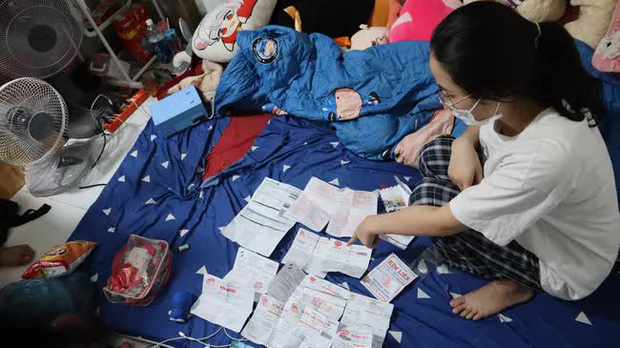 Cận cảnh khám xét nhà trọ của nữ nhân viên trộm 2.380 nhẫn vàng trị giá gần 10 tỷ: Thu giữ hàng trăm giấy tờ cầm đồ-5