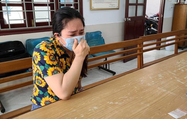 Mẹ đơn thân của 4 đứa con khóc nức nở khi bị bắt vì cùng nhân tình vượt rào giãn cách ship ma túy-5