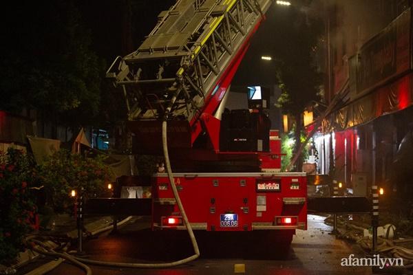 Hà Nội: Cháy lớn cửa hàng quần áo trẻ em cao cấp ở Ninh Hiệp trong đêm, nhiều tài sản bị thiêu rụi-3