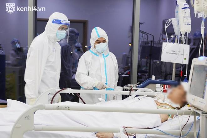 Nỗi lòng của bác sĩ 91 đi chống dịch từ Đà Nẵng, Bắc Giang đến TP.HCM: 2 cái sinh nhật của con qua rồi, tôi đều thất hứa với nó...-3
