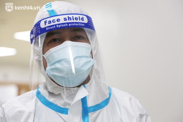 Nỗi lòng của bác sĩ 91 đi chống dịch từ Đà Nẵng, Bắc Giang đến TP.HCM: 2 cái sinh nhật của con qua rồi, tôi đều thất hứa với nó...-6