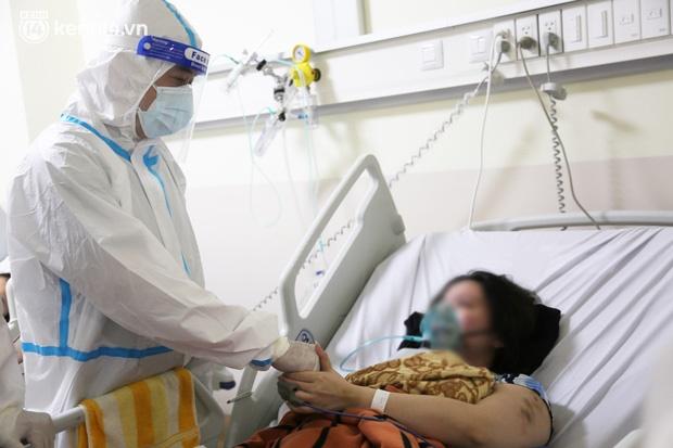 Nỗi lòng của bác sĩ 91 đi chống dịch từ Đà Nẵng, Bắc Giang đến TP.HCM: 2 cái sinh nhật của con qua rồi, tôi đều thất hứa với nó...-22