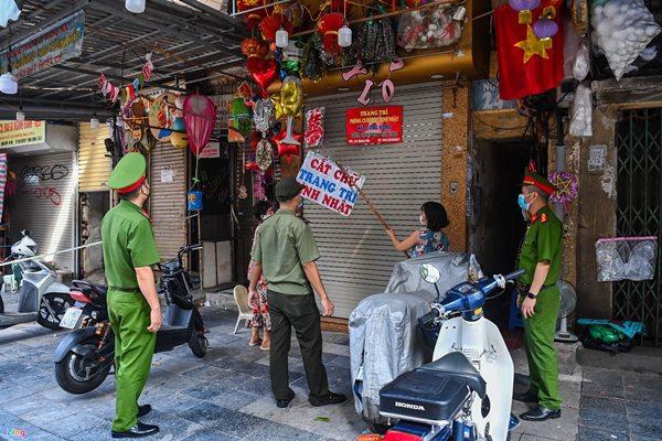 Hé cửa bán đồ chơi Trung thu ở Hà Nội-4