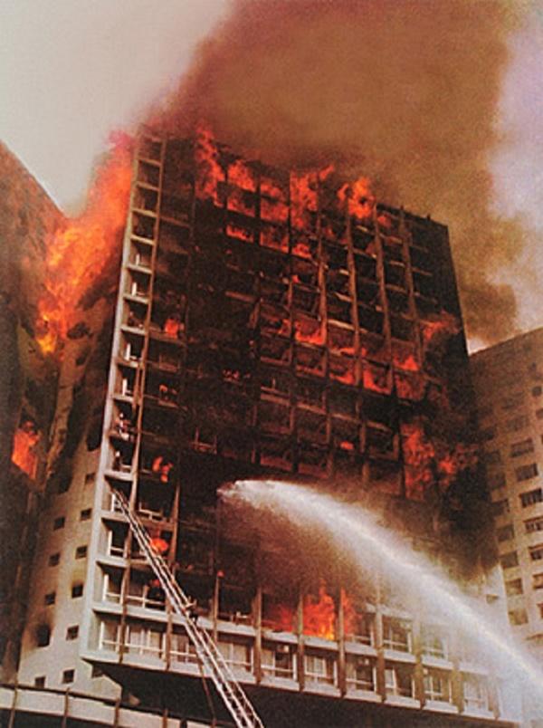 Chuyện giờ mới kể về vụ hỏa hoạn cao ốc khủng khiếp nhất thế giới, bắt nguồn từ tòa nhà 25 tầng dính lời nguyền chết chóc kinh dị-4