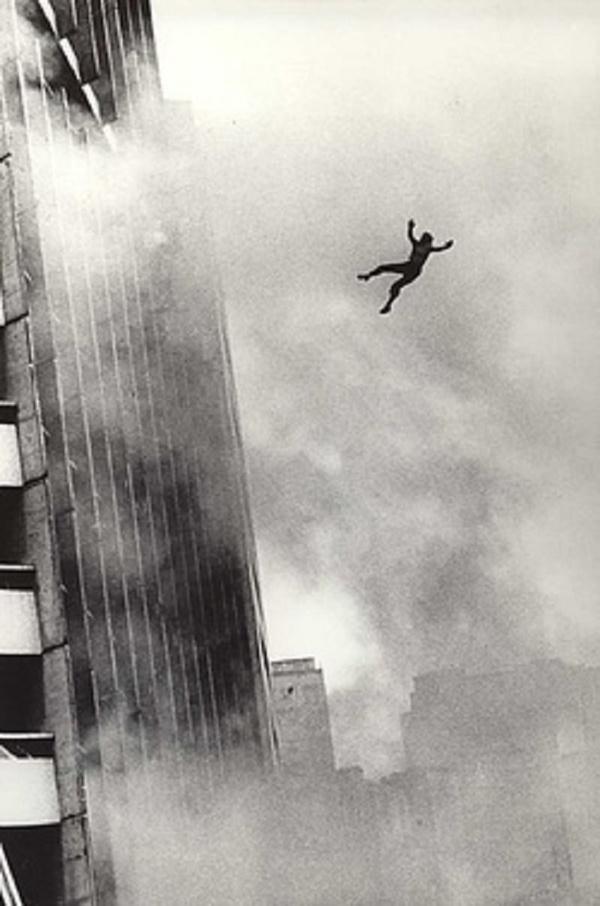 Chuyện giờ mới kể về vụ hỏa hoạn cao ốc khủng khiếp nhất thế giới, bắt nguồn từ tòa nhà 25 tầng dính lời nguyền chết chóc kinh dị-3
