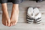 Nhìn bàn chân đoán bệnh: Có 4 điểm bất thường trên bàn chân, cần đi khám thận khẩn cấp
