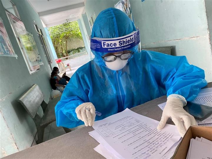 3 nhân viên y tế ở Hà Nội dương tính SARS-CoV-2-1