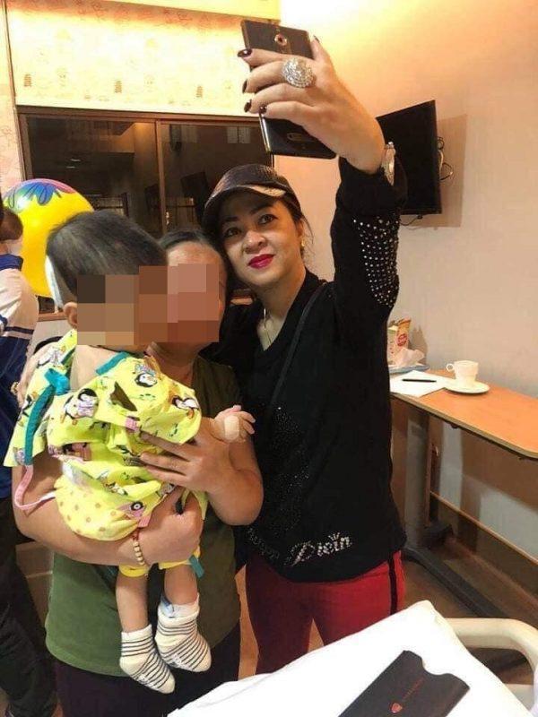 Bà chủ Đại Nam yêu cầu dân mạng ngừng làm một việc với mẹ con bé gái mình cứu ở Singapore bị dân mạng tố vô ơn khiến ai nấy đều khen ngợi hết lời-3