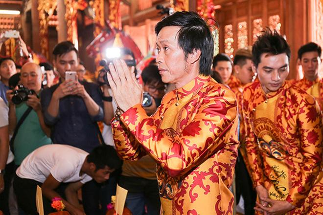 Sau lễ Giỗ tổ sân khấu, Tiến Luật hé lộ 1 điều trong nhà thờ 100 tỷ hoàn toàn im ắng của NS Hoài Linh?-7