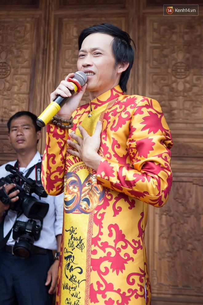 Sau lễ Giỗ tổ sân khấu, Tiến Luật hé lộ 1 điều trong nhà thờ 100 tỷ hoàn toàn im ắng của NS Hoài Linh?-8