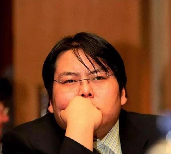 """Đệ nhất công tử Trung Quốc"""" tiêu sạch 46.000 tỷ đồng với lối ăn chơi trác táng đi vào truyền kỳ, cuộc sống hiện tại thảm thương đến khó tin-4"""