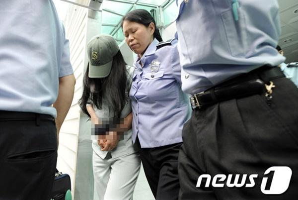 Em gái bị hành hạ đến chết, chị mang tiếng giết em lên tiếng vạch mặt mẹ kế tàn độc đẩy cuộc đời 2 đứa trẻ vào địa ngục-11