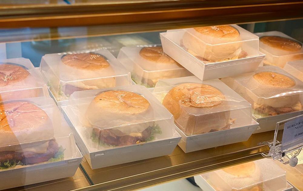 Ba tháng nghỉ dịch, chủ tiệm bánh bất lực nhìn sổ tiết kiệm cạn dần-1