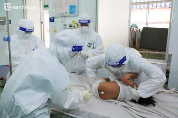 Cân não giành sự sống cho hàng trăm em bé F0 nguy kịch ở bệnh viện tuyến cuối điều trị Covid-19-8