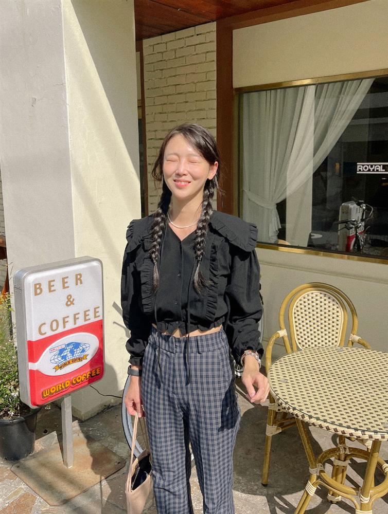 5 gam màu trang phục tôn da sáng bật tông, mặc lên còn sang xịn mịn như diện đồ hiệu-20