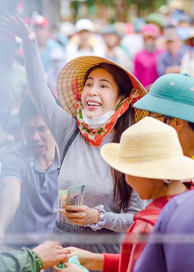 Netizen lan truyền clip Thuỷ Tiên thừa nhận khóc lóc, đóng kịch để không bị đòi tiền, thực hư ra sao?-3