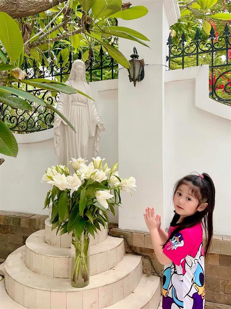 Showbiz Việt cũng có ngôi sao vàng trong làng chiều con không kém cạnh Lâm Tâm Như: Nhìn quà sinh nhật tặng con mà muốn xỉu-7